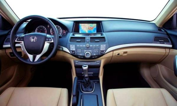 Плюсы Honda Accord 8