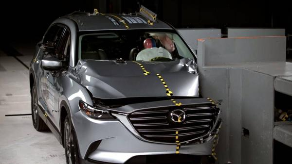 Безопасность автомобиля Мазда CX9
